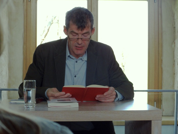 Uwe Kolbe liest beim Poesiefrühstück in Klempenow